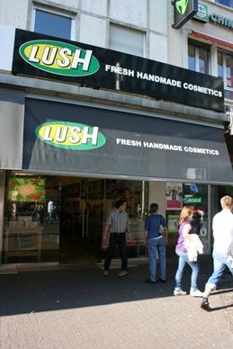 Lush-Khe